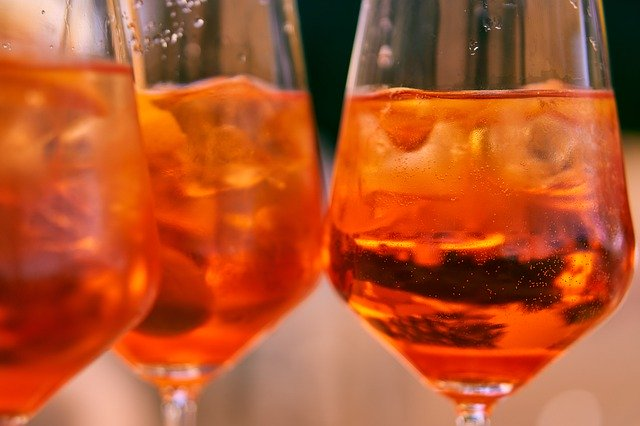 氷の入ったワイン