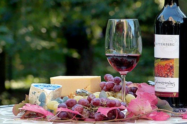 グラスに入ったワイン